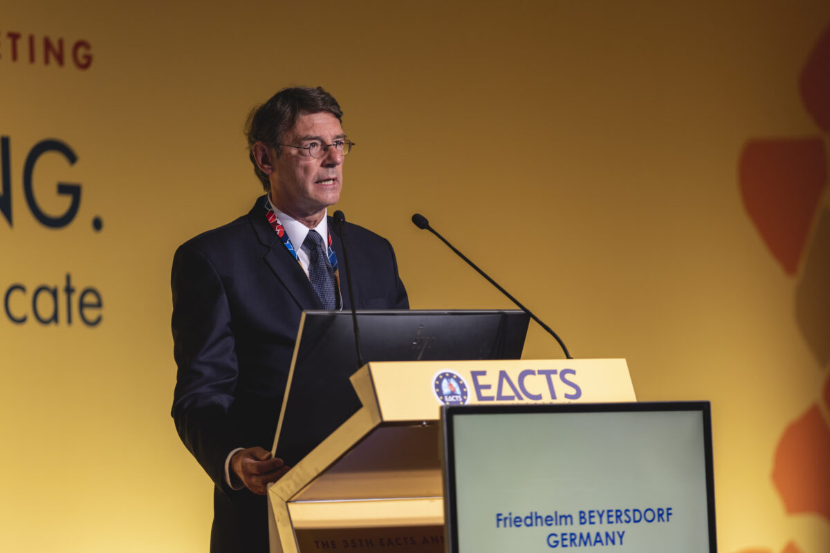 New Officers and Councillors elected at the EACTS General Assembly 2021